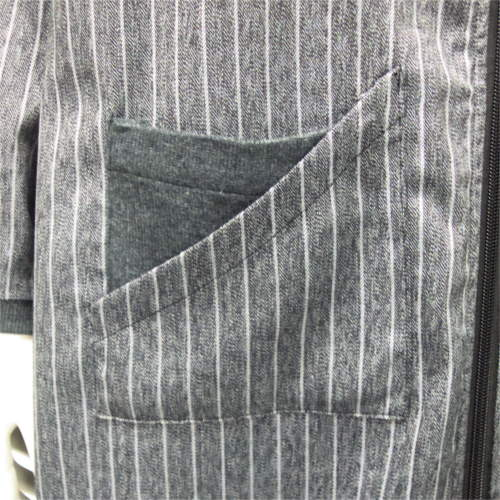 異素材使いピンストライプ柄コート